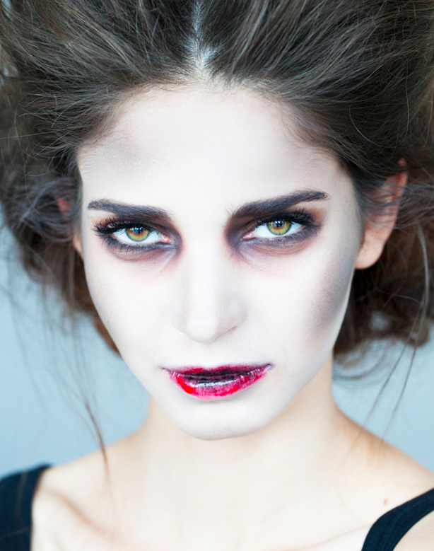 Five Makeup Tips From A Pro Makeup Artist: Five Fierce Woman Halloween Makeup Ideas